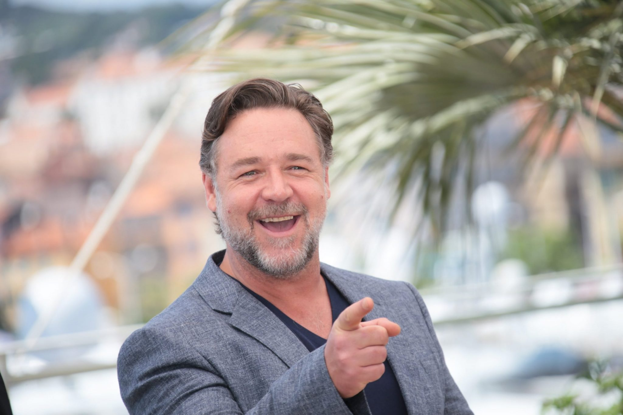 RUSSELL CROWE'S DIVORCE AUCTION