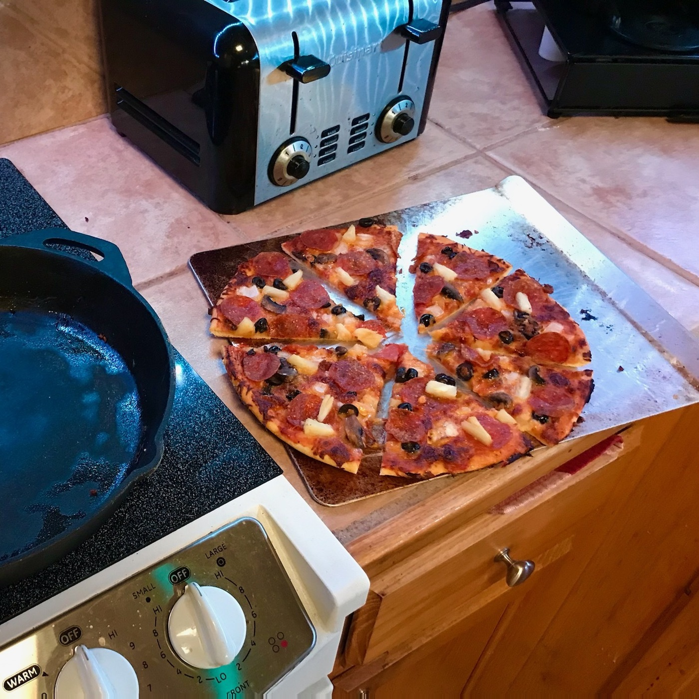After The Show PODCAST: Bromance Food: Cast Iron Pizza.